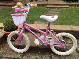 Girls Bike - Approx age 4-6