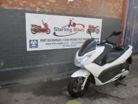 HONDA PCX 2012 WHITE COLOUR, LOW MILEAGE , EXCELLENT CONDITION