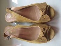 DUO SLING BACK SANDALS - SIZE 8 WIDE FITTING - (Kirkby in Ashfield)