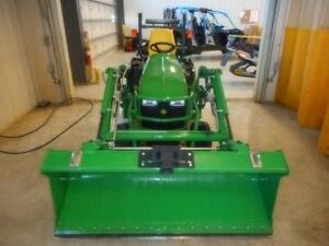 2013 John Deere 1025R Compact Tractor