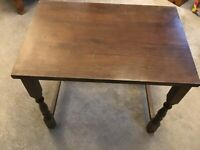 SMALL DARK BROWN SDE TABLE.
