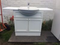 **WHITE CERAMIC SINK WITH VANITY UNIT**GOOD CONDITION**COMES WITH ALL SINK CONNECTIONS**