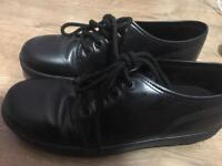 Male Kickers Shoes, Size 6.