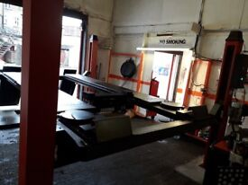 I am saling my wheel alignment lift it is one year and 2 month old nearly new price 3000