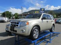 2011 Ford Escape XLT  4X4!