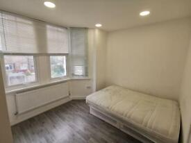 Private landlord, 3 bedroom flat in South Norwood! Available now