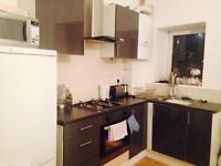 Bedroom free in 3 bedroom house share, Clifton