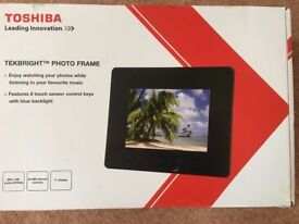 Toshiba Tekbright 7inch digital photo frame
