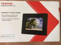 Toshiba Tekbright 7inch digital photo frame