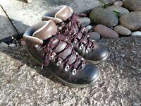Kids Leather Waterproof Hiking Boot UK2 EU34