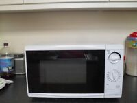 white microwave,as new condition,fully working order,exceptionally clean, bargain at £25