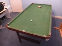 6' pool/snooker table with balls/cues