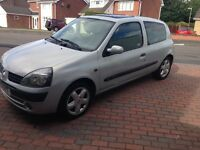 Renault Clio 1.2 for £650 only 46,000 miles,full serv history