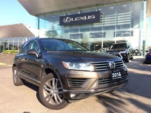 2016 Volkswagen Touareg Navi Backup Cam Panoramic Sunroof Heated