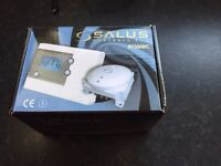 Salus RT500BC Programmable Digital Thermostat with RF Boiler Control