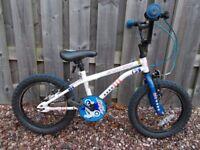 "Apollo Stunt Bike, 14"" wheel suit child age 4-6 years"