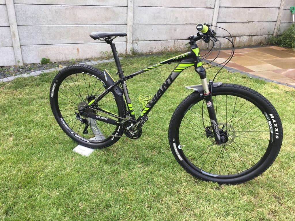Giant Talon 29er 1 bicycle