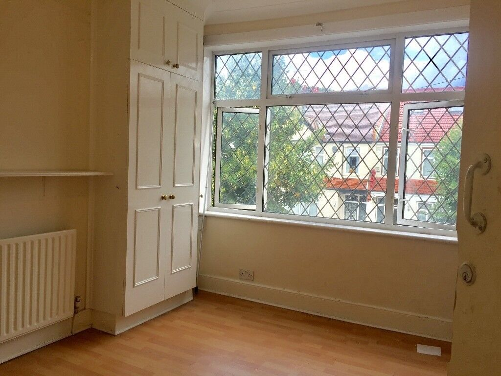 Double Big Room Available in Sw17 Inc.all