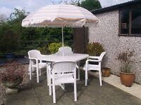 ALLIBERT HIGH QUALITY WHITE GARDEN FURNITURE SET