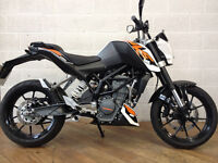 KTM 125 Duke - 2016 White. Excellent condition, only 1,472 miles