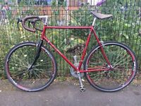 Vintage Raleigh men's road bike, great condition, recently refurbished and newly serviced