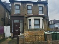 UNFURNISHED SPACIOUS STUDIO FLAT TO LET IN CATFORD SE6 3BE