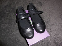 BNIB Clarks Leather School Shoes - size 13E