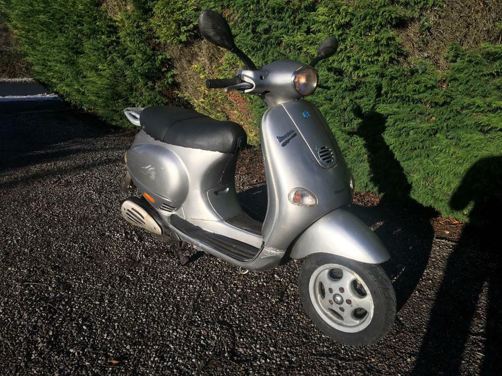 Vespa ET4 125 limited edition Spares or repair