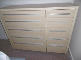 CHEST OF DRAWERS AND MATCHING BEDSIDE CABINET, Excellent condition