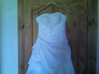 New White Wedding Dress for sale size 8 £300.00