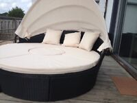Rattan round sun lounger bed for two with canopy