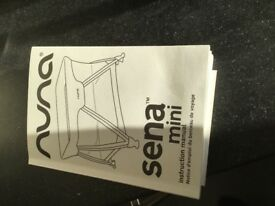 Nina Sena mini Travel cot with bassinet and carry bag, excellent condition barely used