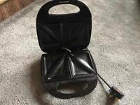 Wilko Sandwich Toaster 4 Slice Black used v,good condition £4