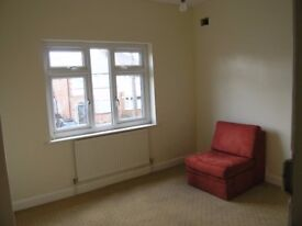 Rooms to let -House share for professionals