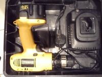 Dewalt 14.4v drill with battery and charger