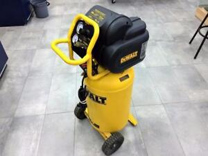 Compresseur DEWALT D55168 15A / 1.8HP / 15 gallons ***ÉTAT NEUF*** #F025912