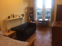 Double, ensuite room in a large, friendly houseshare