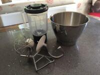 Kenwood Chef Classic. Mixing bowl, liquidiser bowl, dough hook, K whisk, balloon whisk