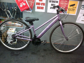 "ladies hybrid bicycle 700c/ 28"" wheels"