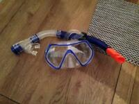Zoggs snorkel and mask set.