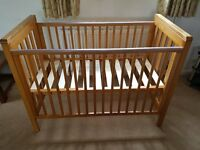 Mamas and Papas 'pebble' cot. great condition