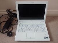 Laptop, Wifi, Webcam, Fingerprint reader, CD/DVD RW drive