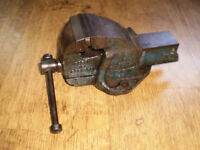 "Paramo No 00 heavy duty Engineers Vice with 2 1/2"" Jaws,"