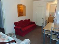 2 bedroom flat to let on ilford lane