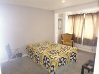 BEAUTIFUL DOUBLE ROOM TO LET ON GALPINS ROAD - CLOSE TO NORBURY TRAIN STATION