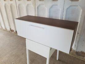 Walnut drawer shelf with white gloss door