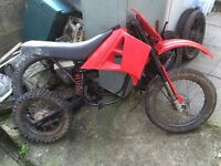 2 x malaguti 50cc one geared the other auto for spares or repair