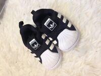 Adidas trainers unisex infant size 4