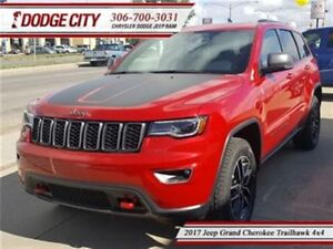 2017 Jeep Grand Cherokee Trailhawk   4x4 - Heated Leather, Remot