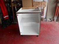 Brand new 600 mm wide base kitchen unit
